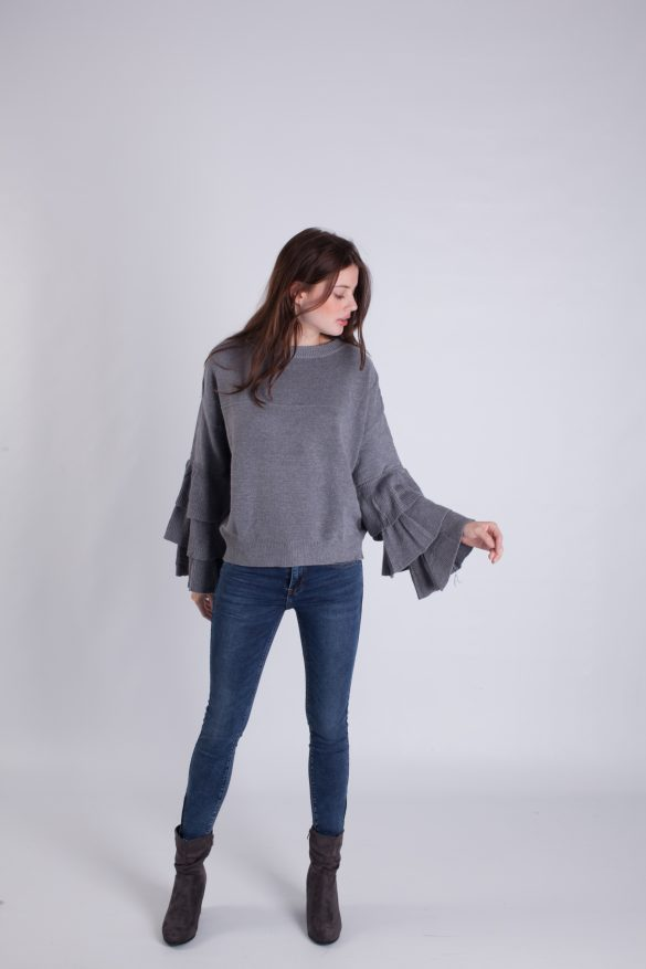 Knit jumper with frilled bell sleeves